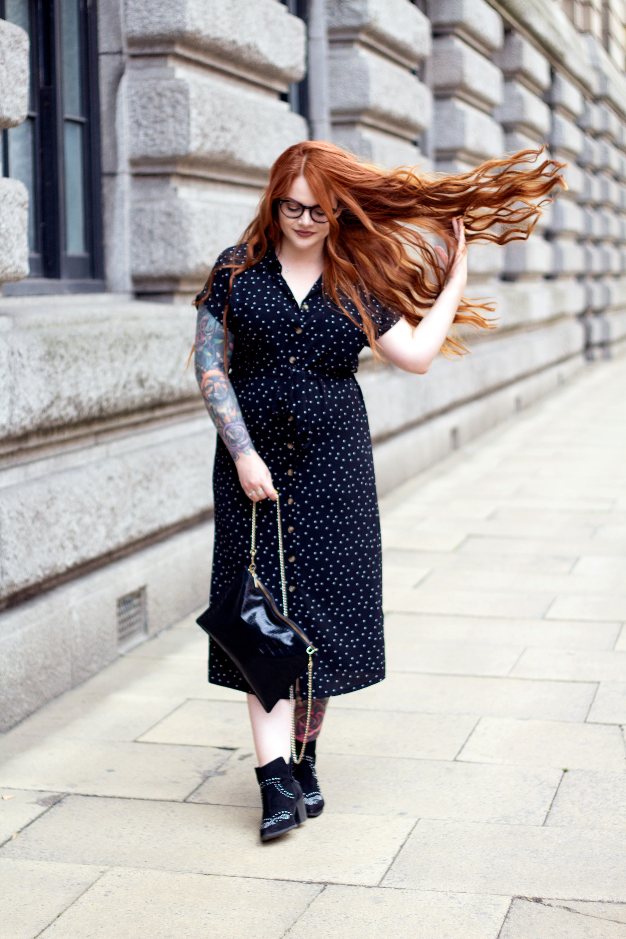 StephiEliza wearing star print New Look midi dress